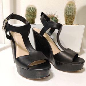 VINCE CAMUTO Mathis Platform Wedge T-strap Sandal